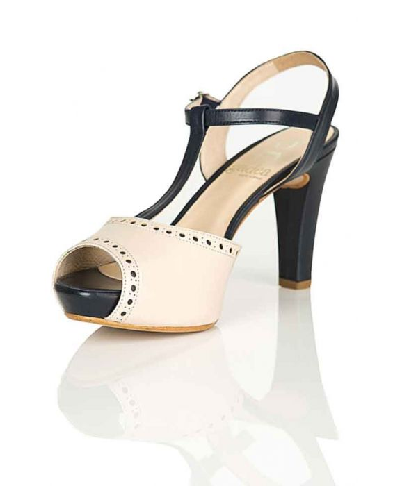 Gadea Leather Sandal - Cream/Navy Blue