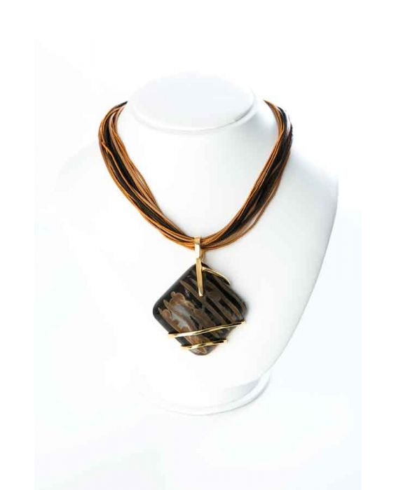 STUDIO-GI WOOD PENDANT NECKLACE